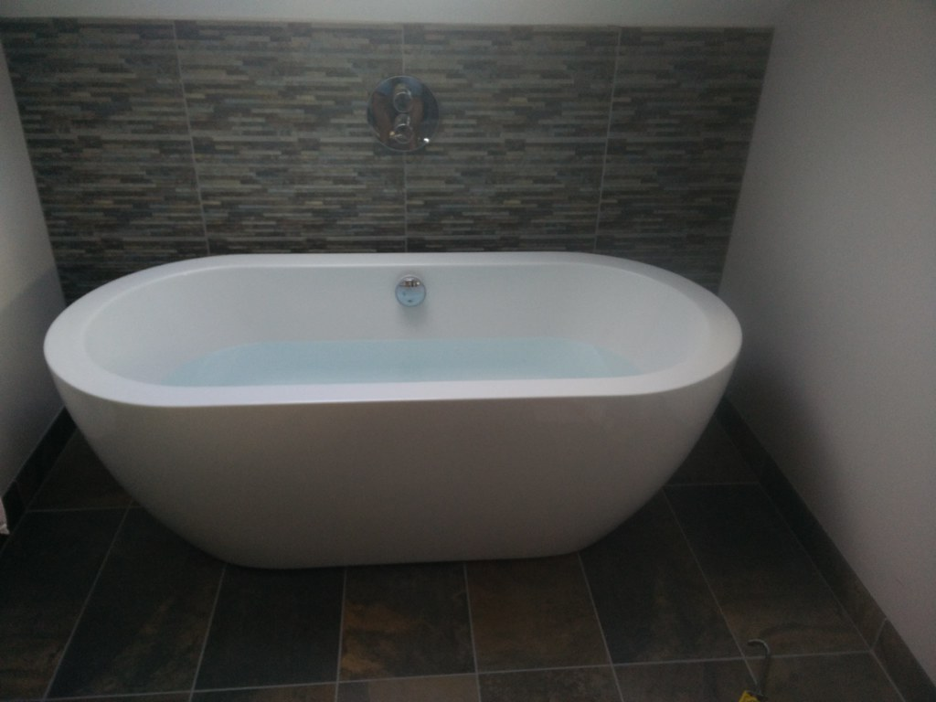 whats better 4 bed small bathroom or 3 bed big bathroom singletrack magazine. Black Bedroom Furniture Sets. Home Design Ideas