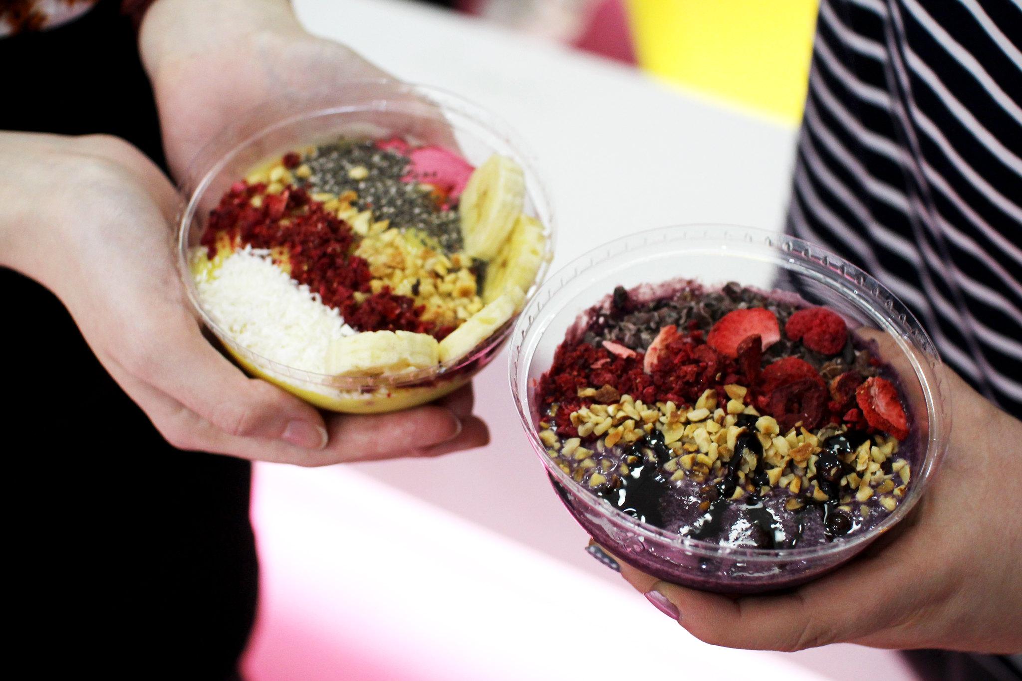 Frisky Froyo Edinburgh smoothie bowls Scottish UK lifestyle blogger