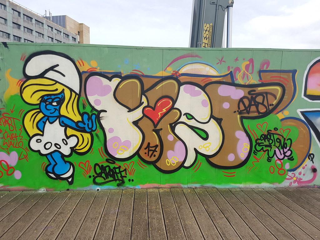 Smurf street art
