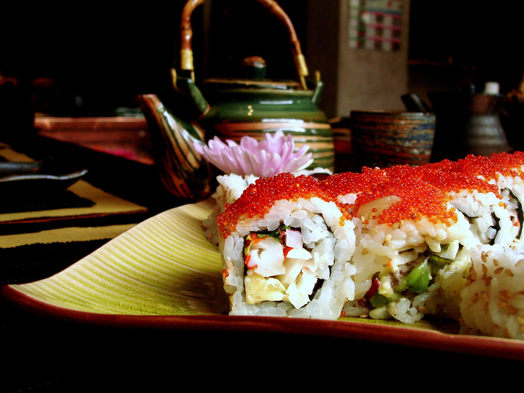 California roll with flying fish eggs it 39 s pretty for Flying fish egg