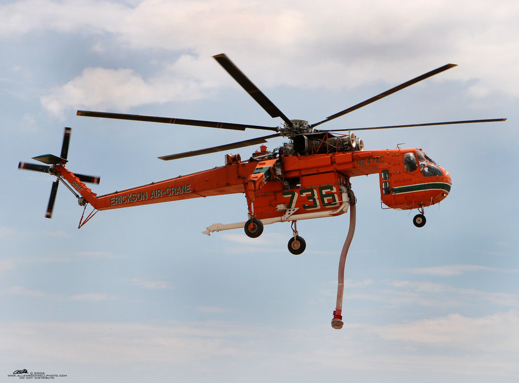 Fire Helicopter Refills It S Water A Firefighting