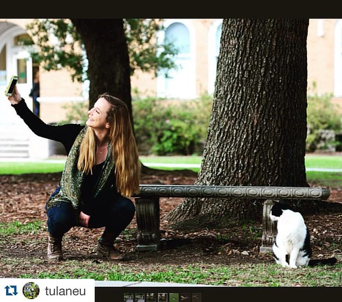 #Repost from @tulaneu: some #tulane #students getting a selfie with @mickeythecampuscat is a #bucketlist goal! #campus #neworleans #mickey #cowcat #tunola #tulaneuniversity | by OnlyAtTulane