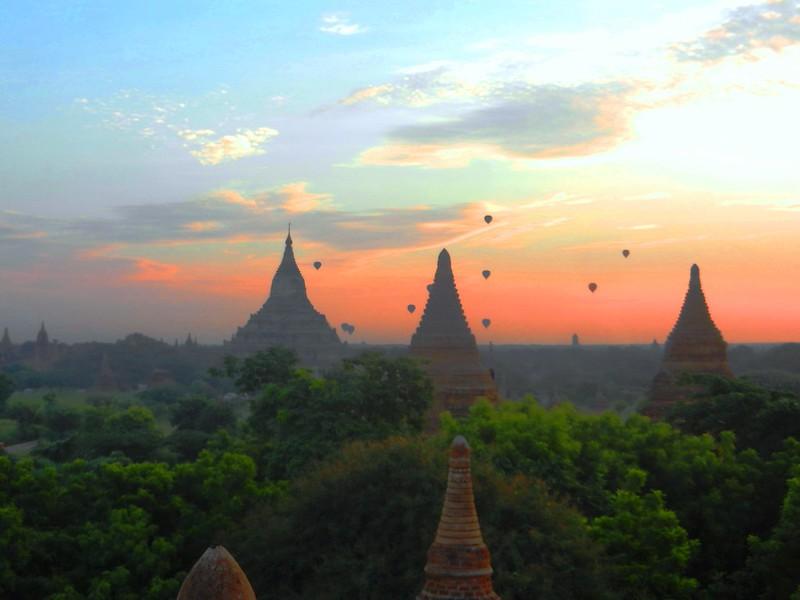 Воздушные шары, взлет в Багане