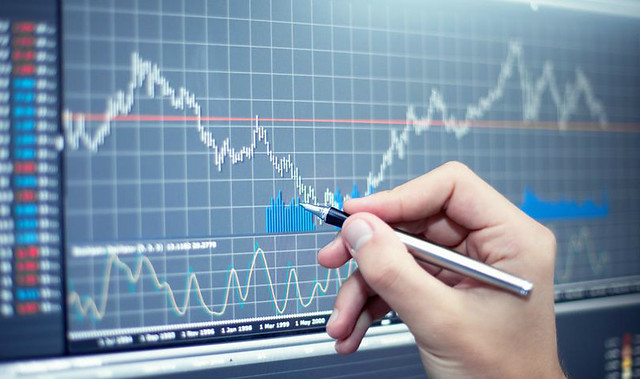 Graph Pen Top Hedge Fund papers