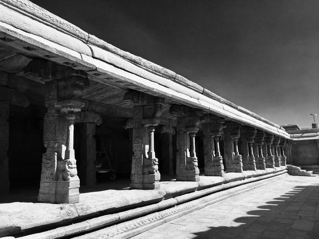 Mantapam at entrance