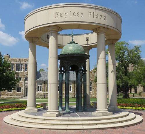 University Of Tulsa: University Of Tulsa Bayless Plaza (Tulsa, Oklahoma)