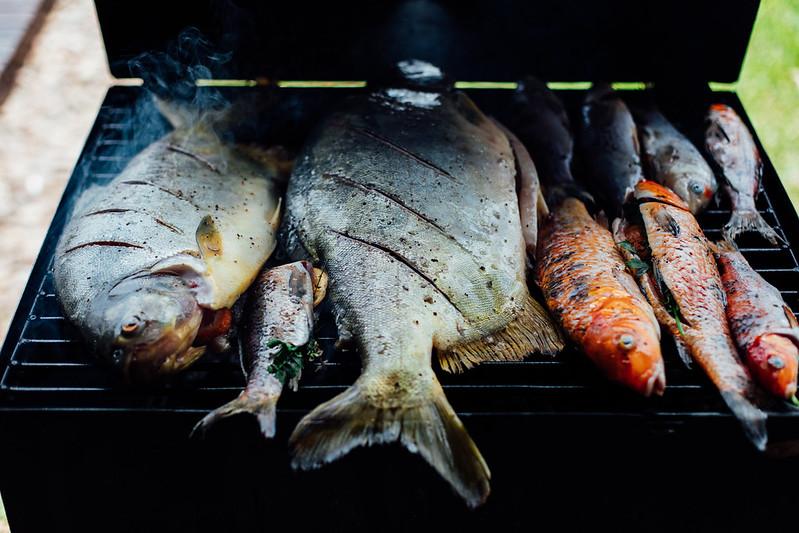 Peixe na Grelha com Limões e Ervas