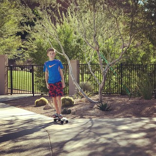 Adapting well. #weliveonthewrongcoast #echocanyonlife #pennyboard | by Kevan Emmott