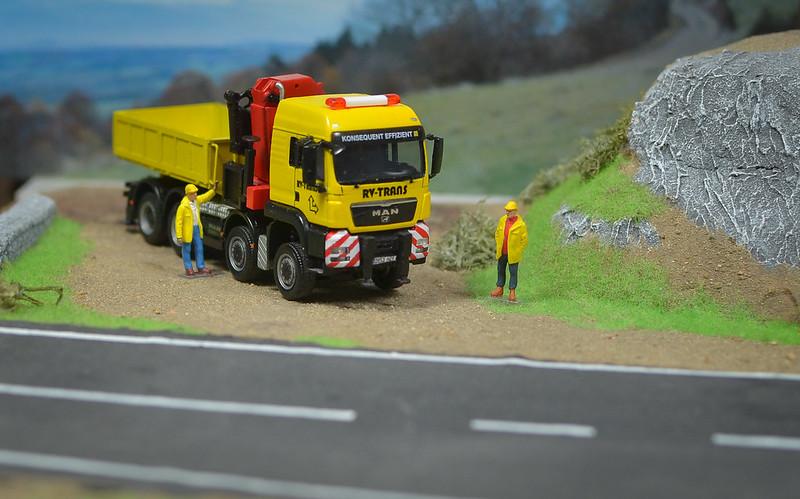 Camiones, transportes especiales y grúas de Darthrraul 32271446545_6a4af330ba_c