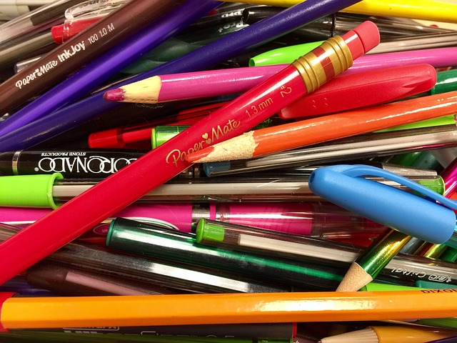 pencils-1743547_640