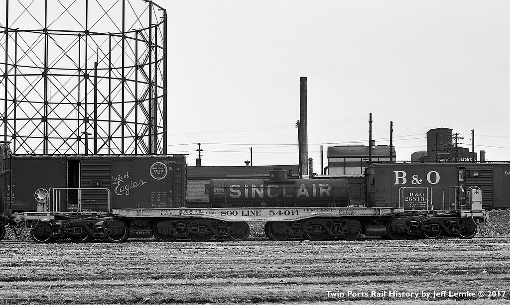 Gasometer and a Soo Line 12-Axle Heavy Duty Flat Car at Du ...