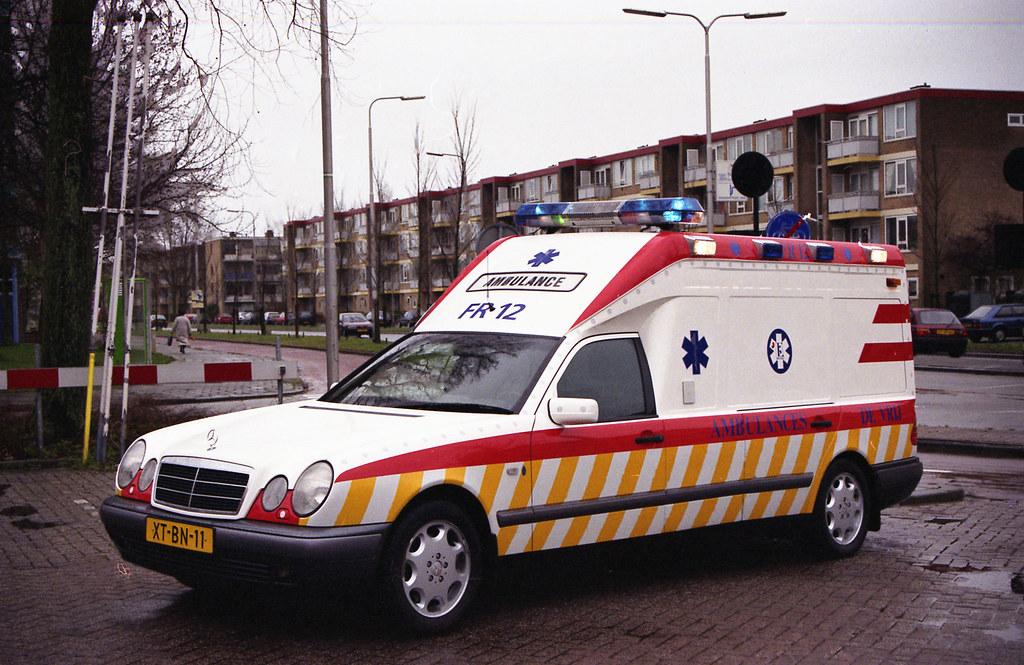 Mercedes E Klasse Miesen Ambulance De Vrij 12 Leeuwarden