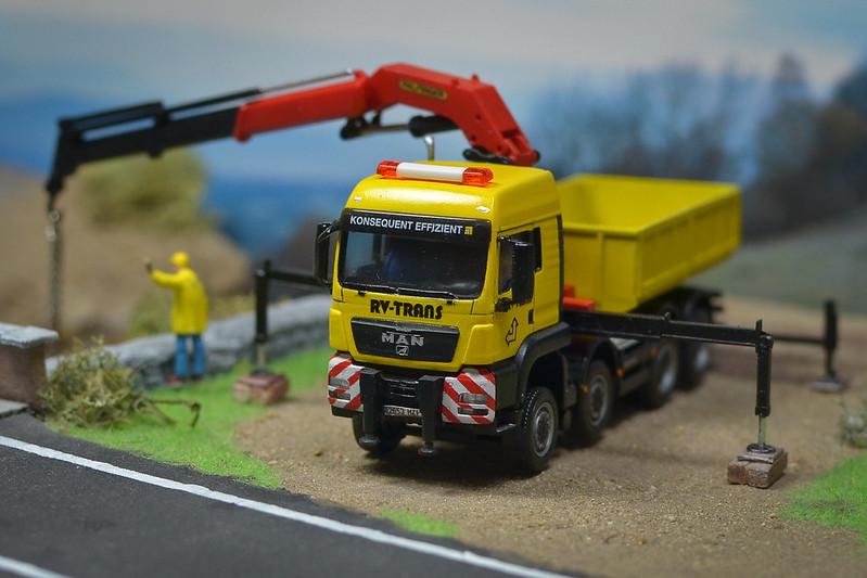 Camiones, transportes especiales y grúas de Darthrraul 31461262413_74ddfbf234_c