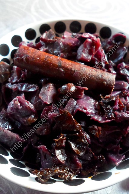 Chou rouge braisé aux épices / Spiced braised red cabbage