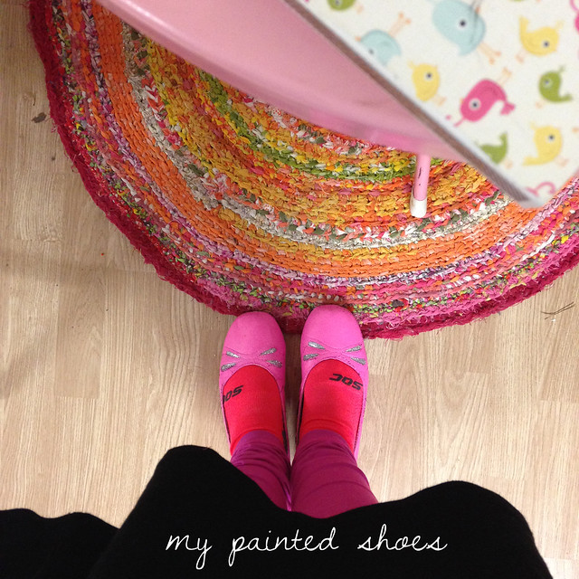 Me in my painted shoes (and crazy socks that does not match - yay artist freedom) - by @ihanna #diyfashion