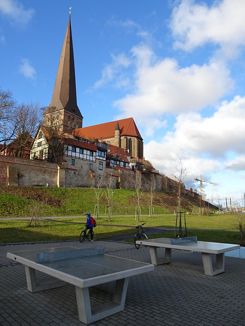 Tabletennis in front of St. Petri Church