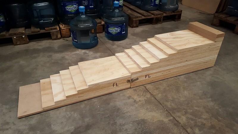 Rampas artesanales de madera para elevar el coche - Altura para ir sin silla en el coche ...