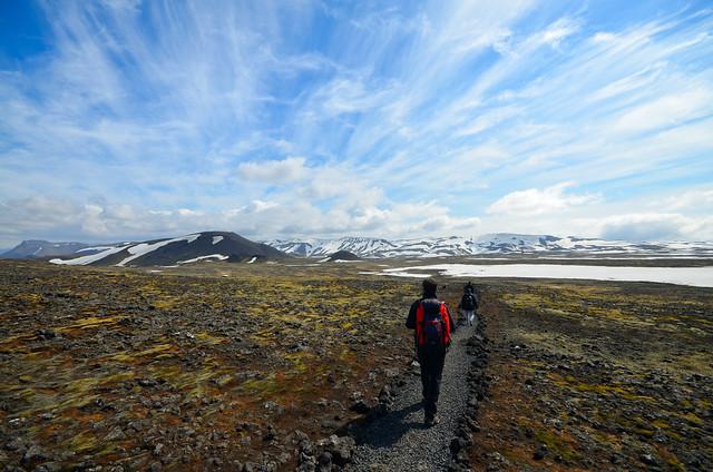 Paisajes de Islandia camino del volcán donde vivimos la excursión Inside the volcano