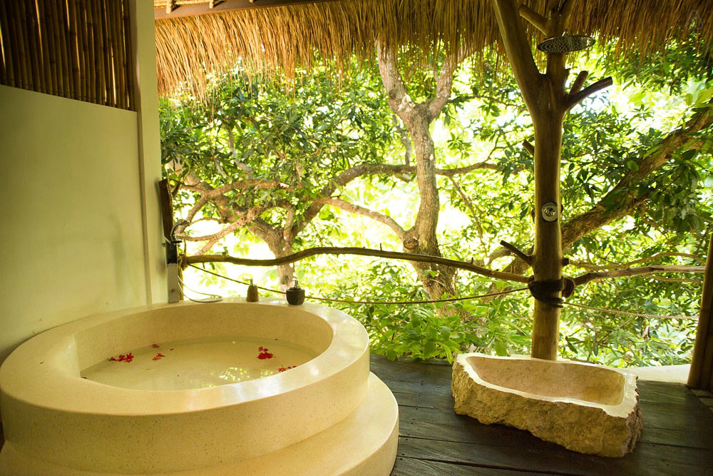6-hot-tub-villa-cr-airbnb-2