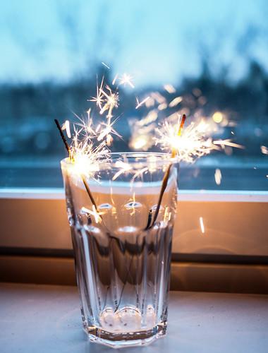 P1141348.jpgTähtisädetikutKotiSparklersHome,P1141349.jpgSparklersTähtisädetikut, tähtisädetikku, sparkler, sädehtiä, säkenöidä, ystävänpäivä, valentine's day, hyvää, good, säkenöivää, sädehtivää, sparkling valentine's day,