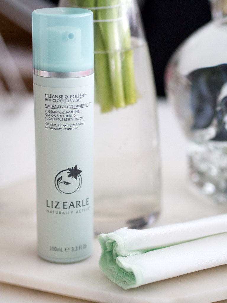 liz_earle_hot_cloth_cleanse