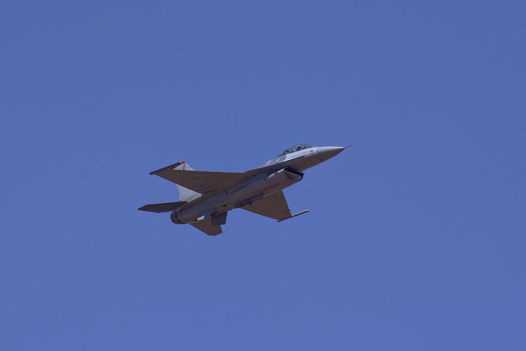 F-16 Falcon | Approach