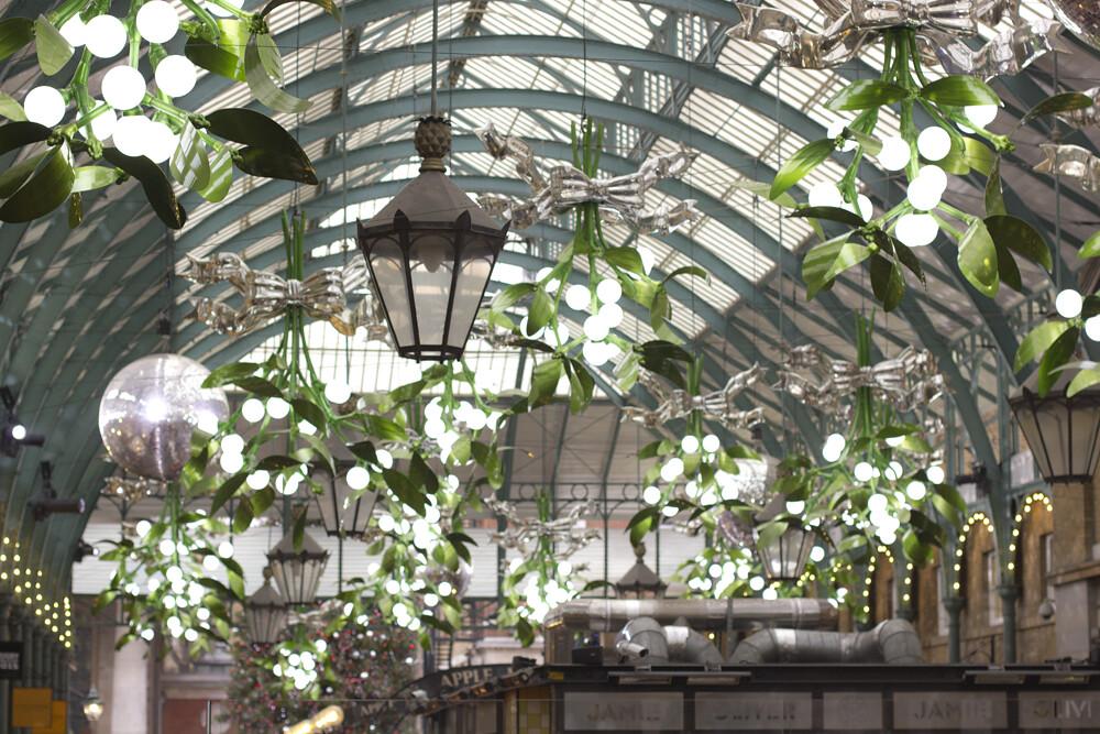 mistletoe, mistletoe at covent garden, covent garden mistl… | Flickr