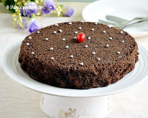 Eggless pressure cooker cake