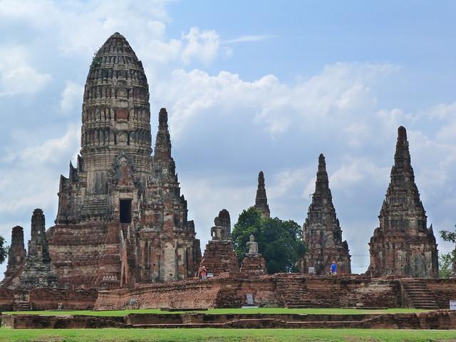 Wat Chaiwatthanaram en Ayutthaya visto desde la barcaza de arroz Thanatharee