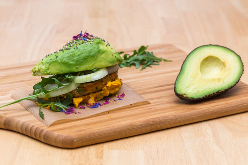 Self-made Avocado burger with veggie hamburger, Humus and Onions | by wuestenigel