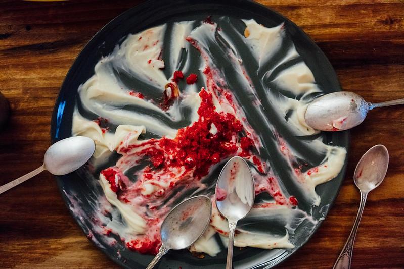 Creme de Iogurte e Chocolate Branco com Granita de Frutas Vermelhas
