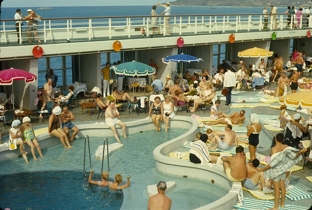 Home line 39 s ocean liner ss oceanic cruise ship 1965 flickr for Levittown pools swimming lessons
