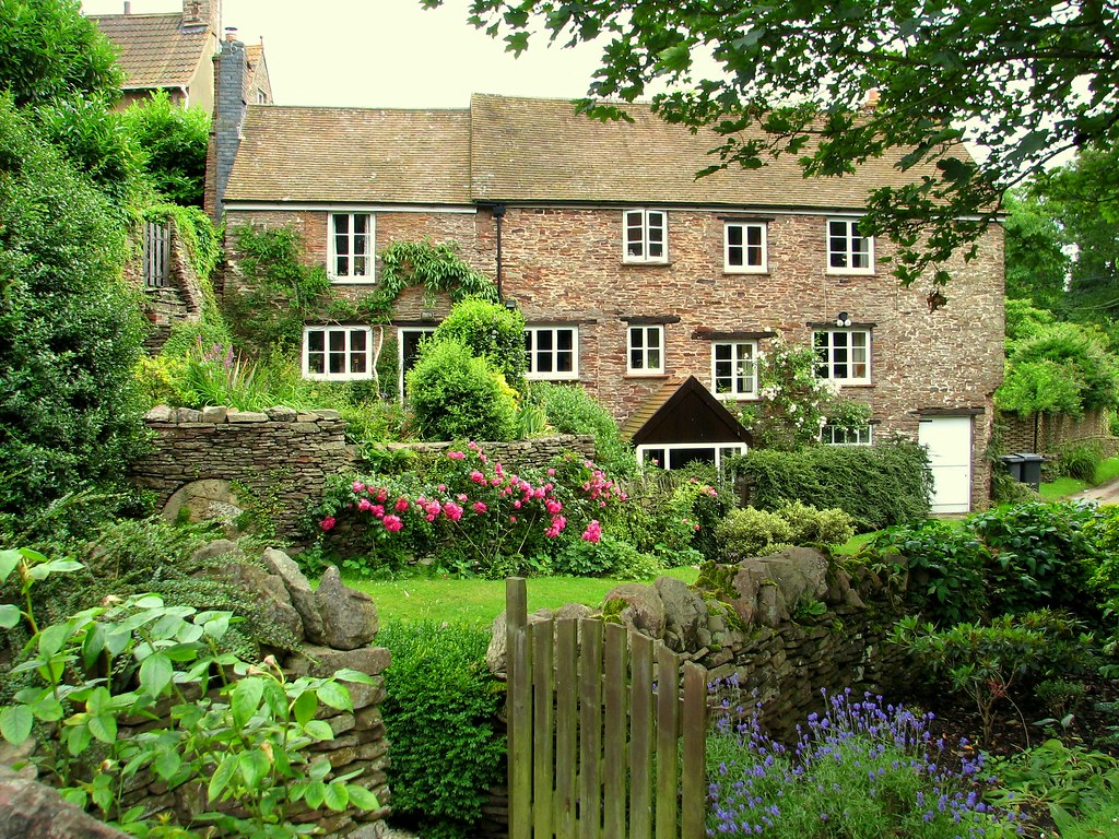 Beautiful homes in england the image for Beautiful country homes