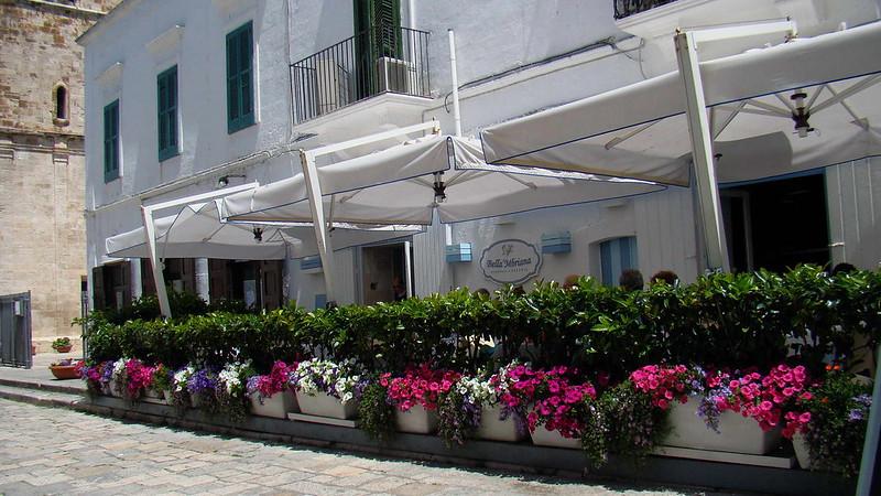 Puglia látnivalói - Polignano a Mare főtér