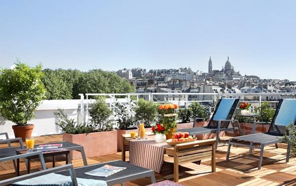 Vistas del Sacre Coeur desde la terraza del hotel Cinatines Montmartre