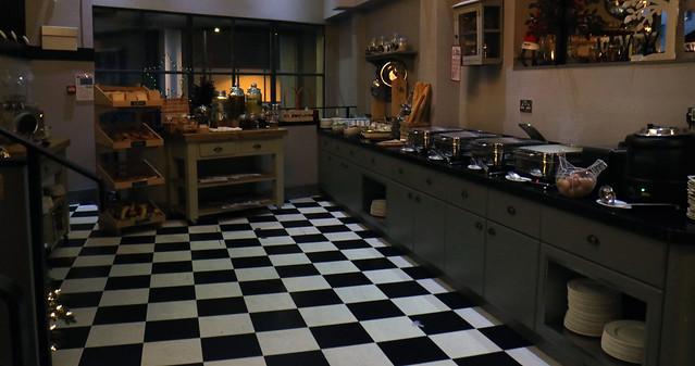 Mercure London Breakfast Room