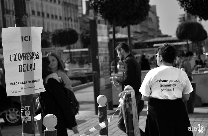 """[12 Mars 2017] – Un jour, une photo… Une """"zone sans relou"""", place de la République..."""
