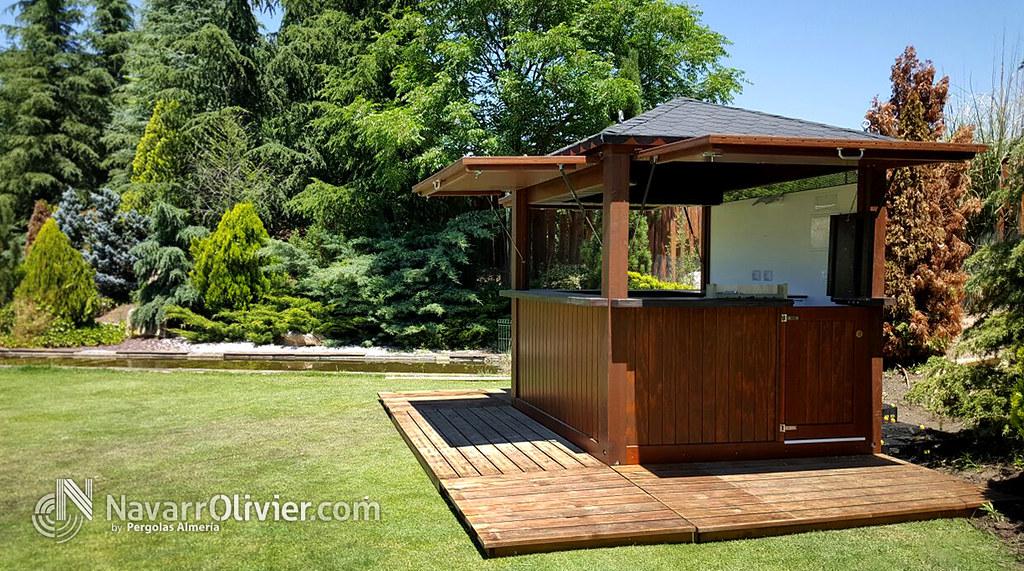 Kiosco de madera a 4 aguas caseta para quiosco for Kiosco bar madera