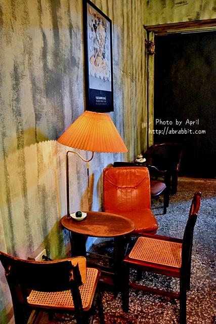 33359572805 c47283358f o - [台中]洞穴The Cave--一個充滿藝術且自由般放氣息的神秘咖啡館兼酒吧@北區 五權路