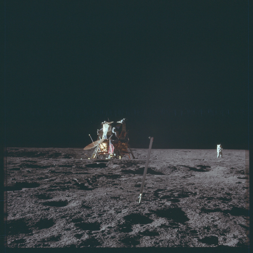appolo project Project apollo: a retrospective analysis introduction on 25 may 1961 president john f kennedy announced to the nation a goal of sending an american safely to the moon before the end of the decade.