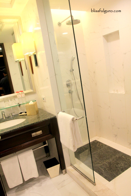 Crimson Hotel Manila Deluxe Room