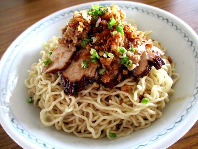 RTM Cafe kampua noodles
