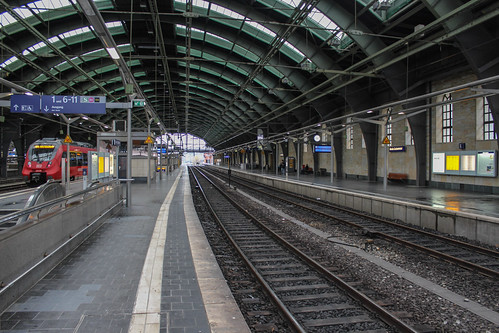 Berlin Ostbahnhof train station | by Timon91