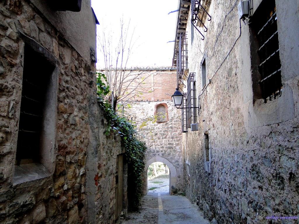 Siguenza 105 puerta del sol santiago lopez pastor for Puerta del sol santiago