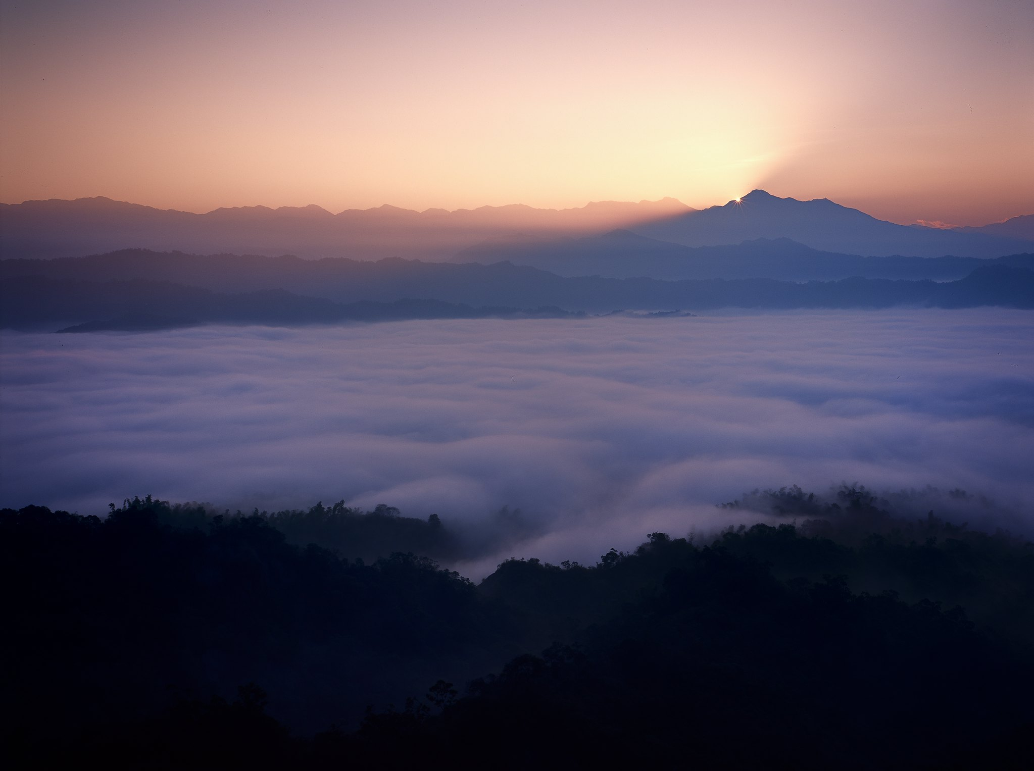 12月的308月世界 雲海繚繞!