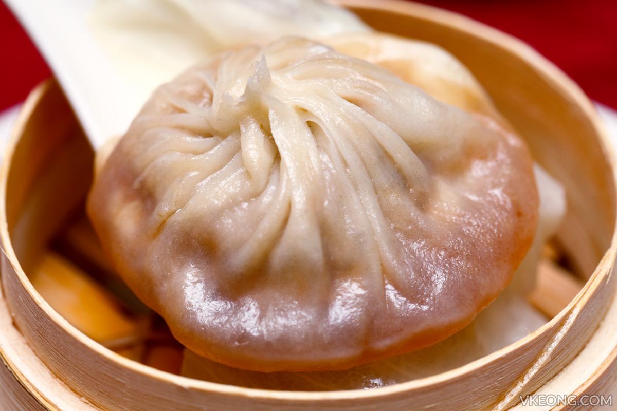 Steamed Shanghainese meat dumpling