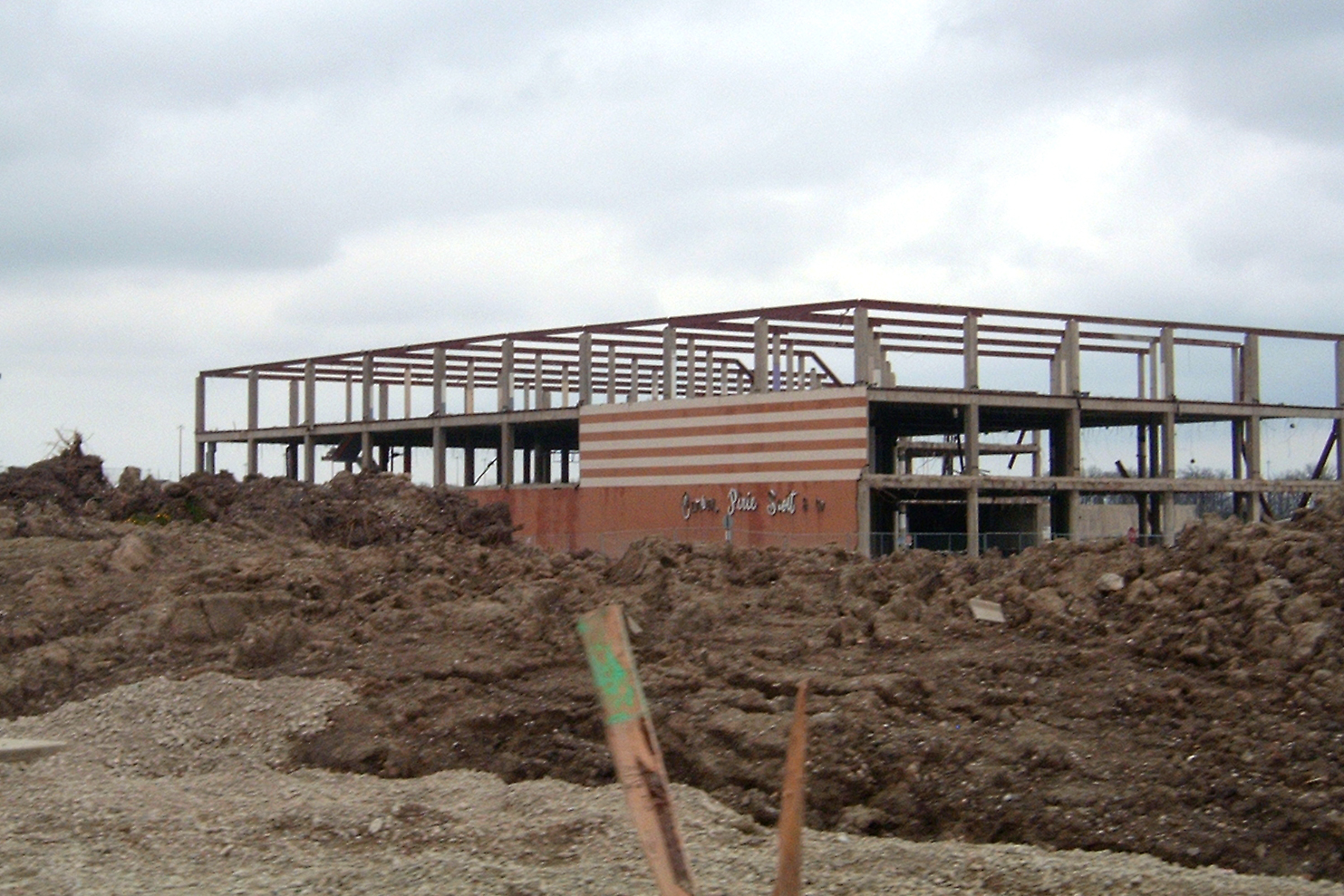Lakehurst Mall demo: April 2004