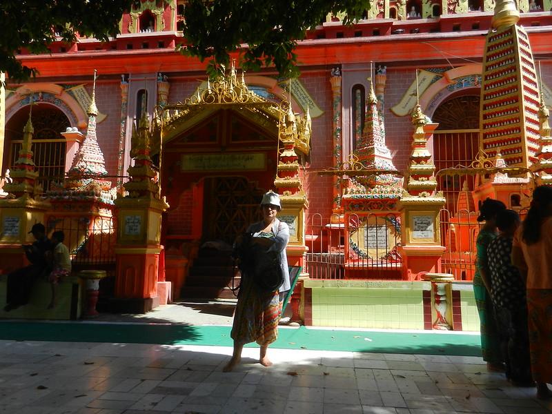 Храмы Мьянмы только босиком