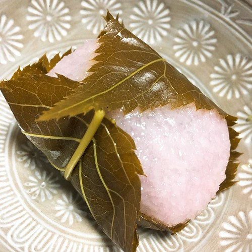 桜もちと草の餅