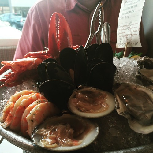 Seafood platter at fishing with dynamite in manhattan beac for Fishing with dynamite manhattan beach